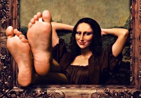 Mona-Lisa-sama-w-Luwrze-sztuka-w-kwarantannie.