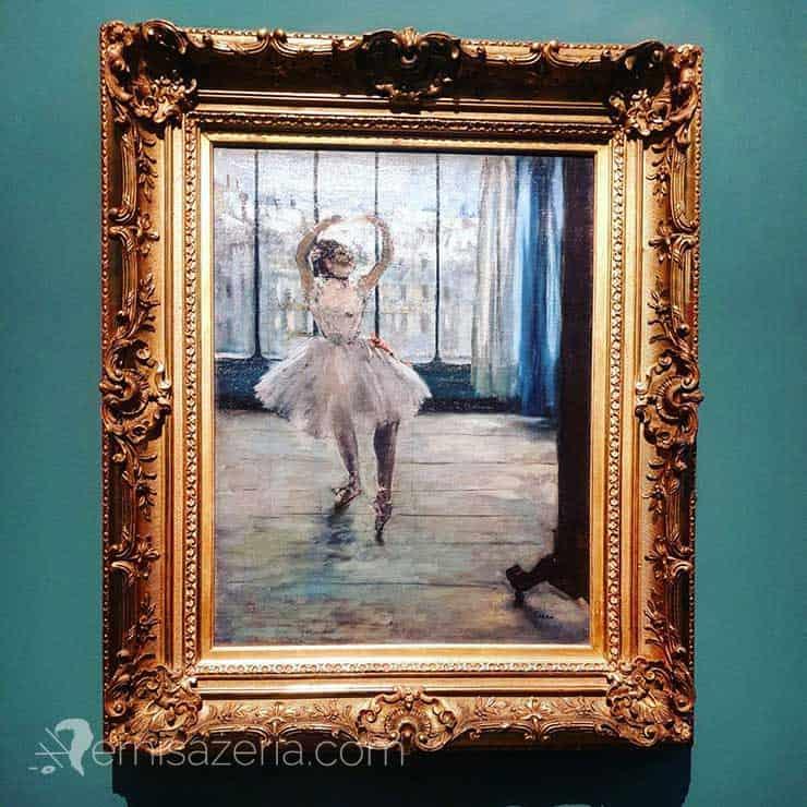 Edgar Degas Danseuse posant chez photographe. Danseuse devant la fenêtre